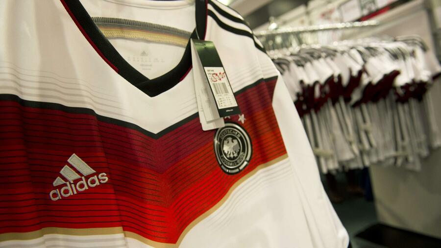 Sportartikelhersteller: Adidas profitiert von Fußball WM