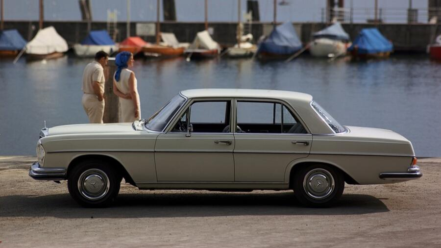 Mercedes Benz 250SE  ab 1965 Quelle: Mercedes-Benz