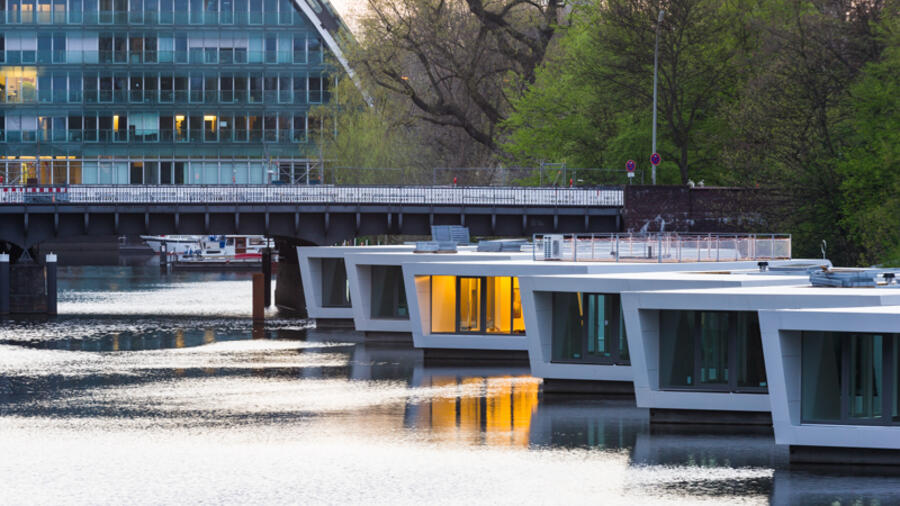 A Hamburg Houseboats