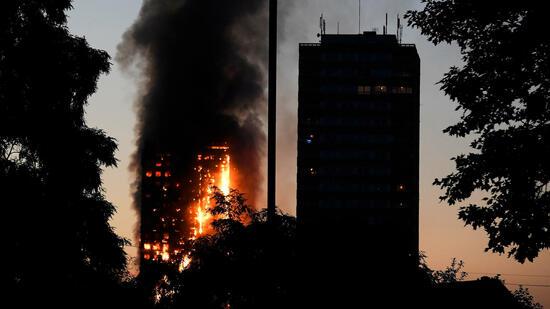 Nach Brandkatastrophe: May kündigt