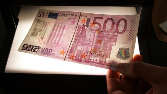 500 euro schein ezb will sich im mai entscheiden. Black Bedroom Furniture Sets. Home Design Ideas