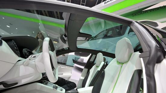 huGO-BildID: 21104302 epa02609041 The interior of the new Skoda Vision D concept car is shown during the press day at the 81st Geneva International Motor Show in Geneva, Switzerland, on 01 March 2011. The Motor Show will open its gates to the public from 03 to 13 March presenting novelties of more than 260 exhibitors and more than 175 World and European car premiers. EPA/MARTIAL TREZZINI +++(c) dpa - Bildfunk+++ Quelle: dpa