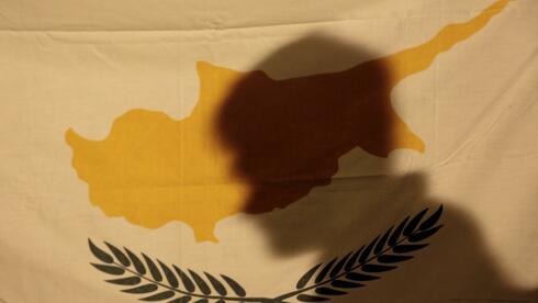Die EU-Spitzen und Zyperns Präsident Nicos Anastasiades haben sich auf ein Rettungspaket für Zypern geeinigt. Quelle: Reuters