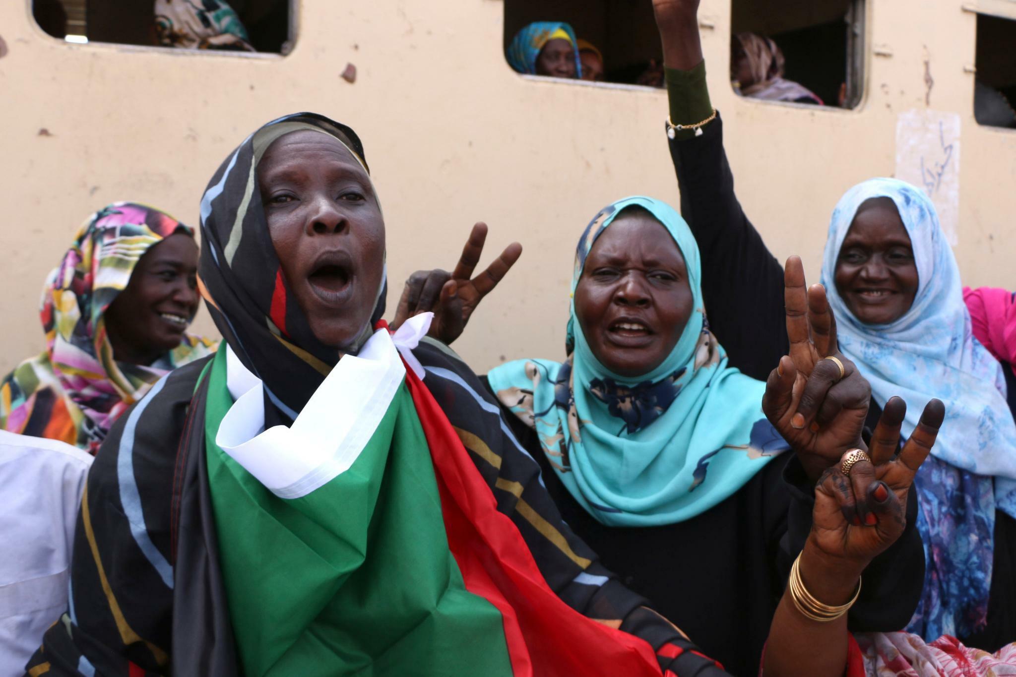 Opposition und Militär ebnen Weg für Sudans Übergangsregierung