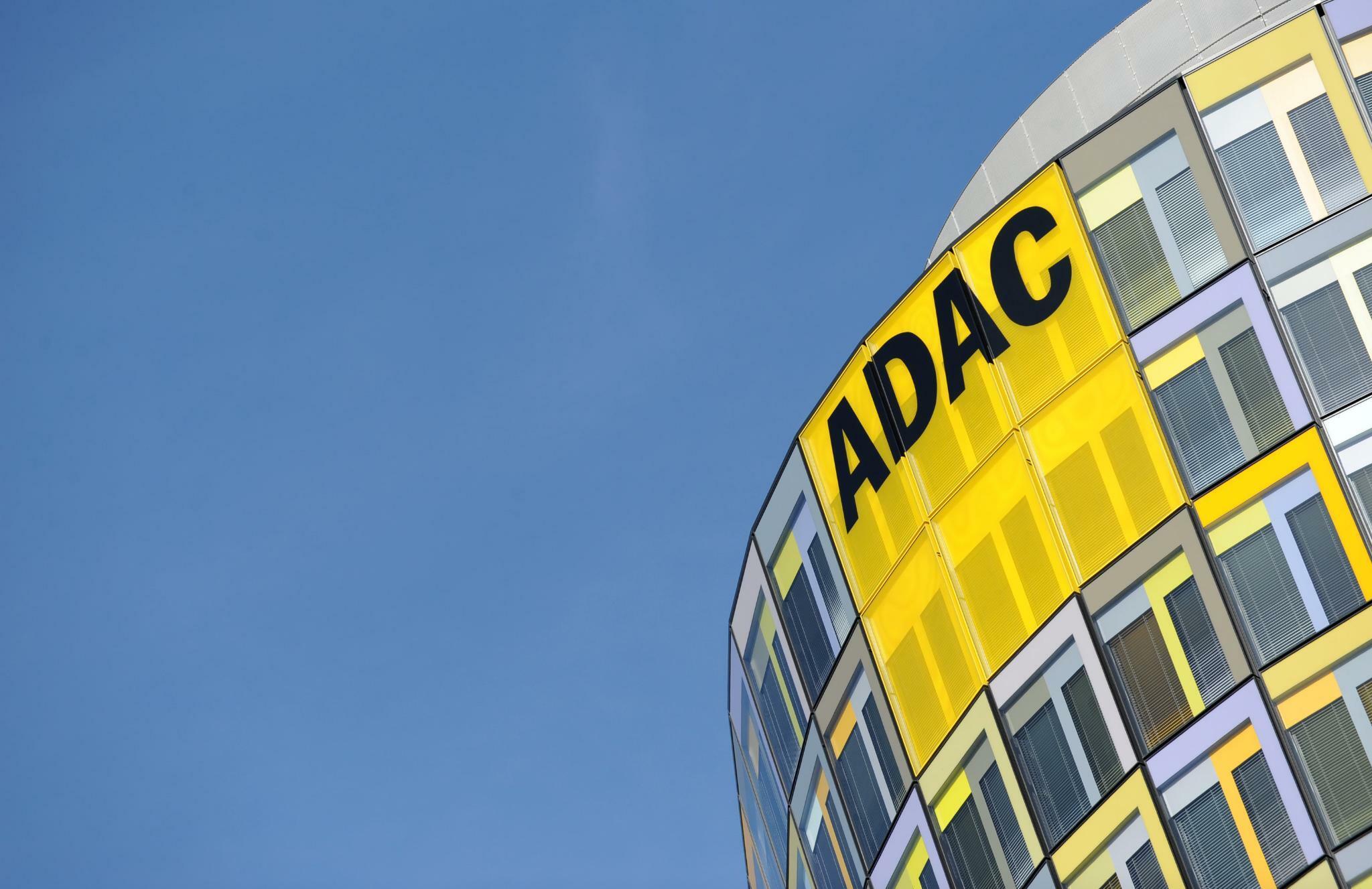 Adac Bietet Künftig Nicht Nur Versicherungen Fürs Auto