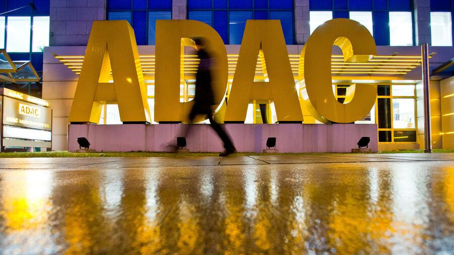Adac Uberteuert Versicherer Bieten Gunstigere Schutzbriefe