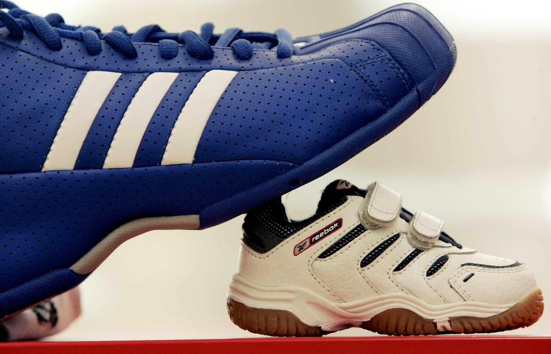 Sportartikel Adidas kauft Reebok