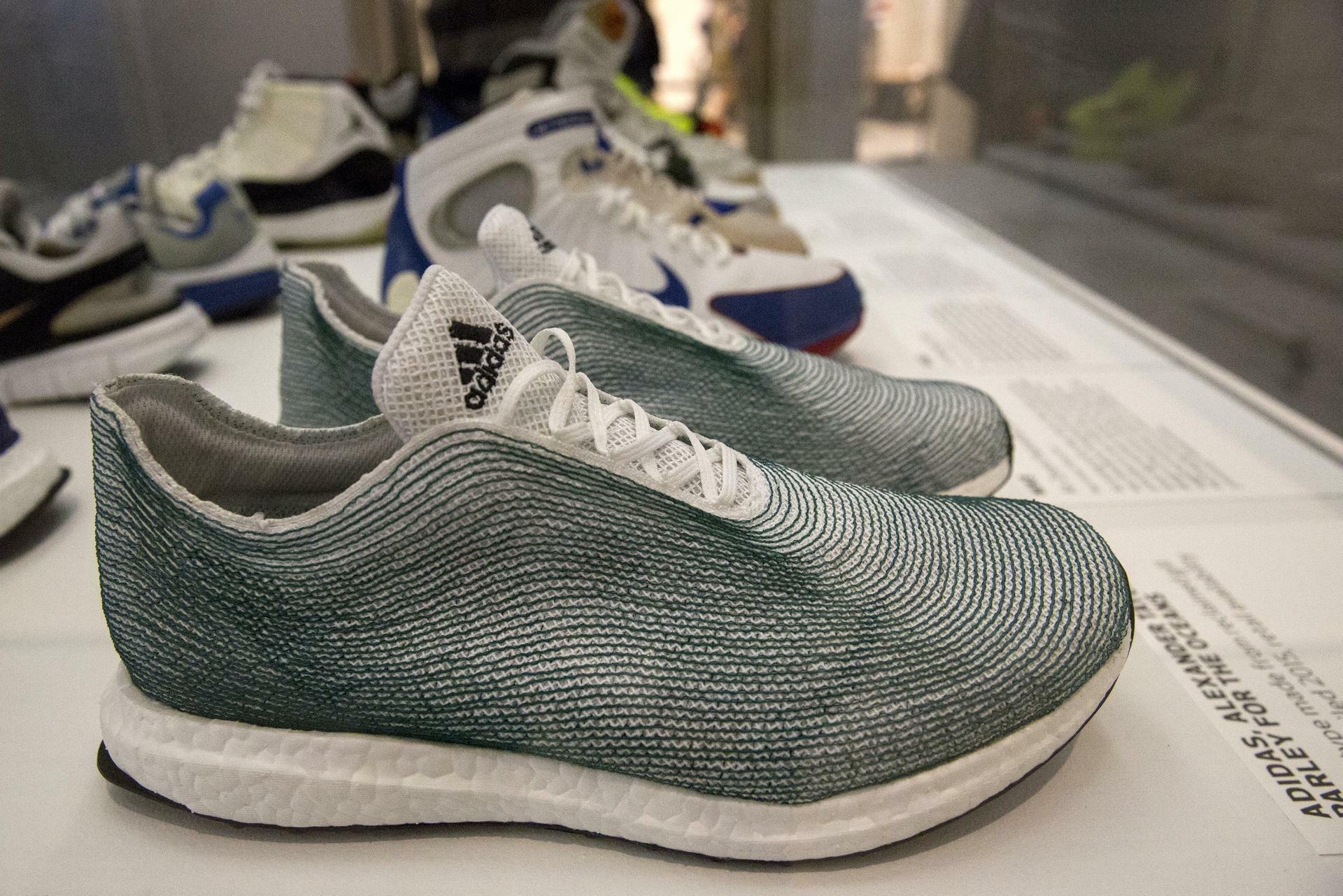 Adidas Schuhe aus Plastikmüll: Was die Konkurrenz macht