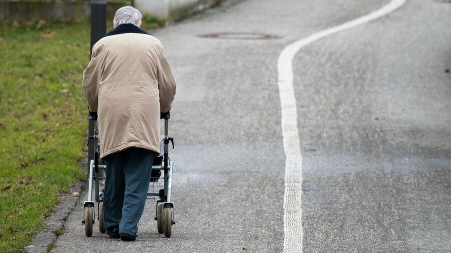 Einsam und arm - Jeder dritte Alleinstehende von Armut bedroht