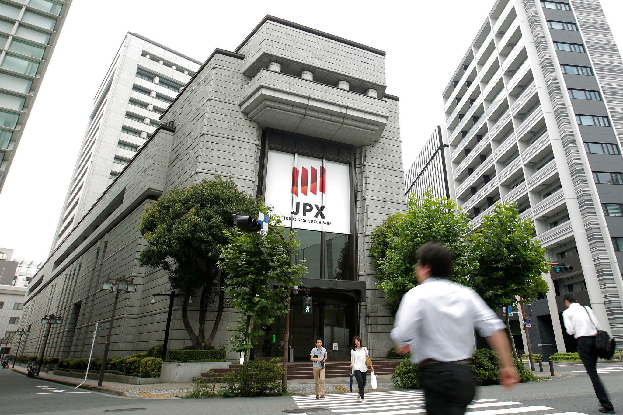 Japans Börse wegen eskalierendem Handelsstreit unter Druck