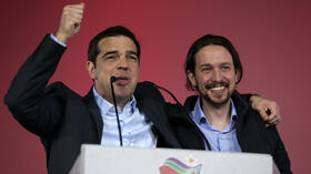 "huGO-BildID: 41379775 FILE - This is a Thursday, Jan. 22, 2015 file photo of Alexis Tsipras, leader of Greece's Syriza left-wing main opposition party, left, as he puts his arm around the shoulder of Pablo Iglesias leader of Spanish Podemos left-wing party after a pre-election speech at Omonia Square in Athens . Spain's leftist party Podemos (We Can), created a year ago and led by Pablo Iglesias, is offering a new strategy. It proposes changing the way Spain's debt is paid off, nationalizing strategic sectors such as energy, and setting a maximum wage for all employees. Spain holds a general election this year, with opinion polls indicating the partyís support already equals that of the country's two mainstream parties. Iglesias said Monday Jan. 26, 2015 that Syriza's victory brings fresh hope. ""The policies of unfair and ineffective cuts have been defeated by the Greek people,"" he said. (AP Photo/Lefteris Pitarakis) Quelle: ap"