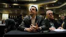 Greek Prime Minister Alexis Tsipras sits next to Deputy Prime Minister Giannis Dragasakis (R) before his speech at the ruling Syriza party central committee in Athens, Greece, February 11, 2017. REUTERS/Michalis Karagiannis TPX IMAGES OF THE DAY Quelle: Reuters