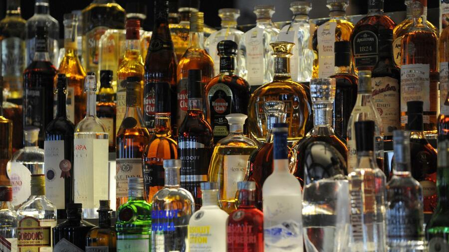 sucht alkoholkonsum ist das gr te problem in deutschland. Black Bedroom Furniture Sets. Home Design Ideas