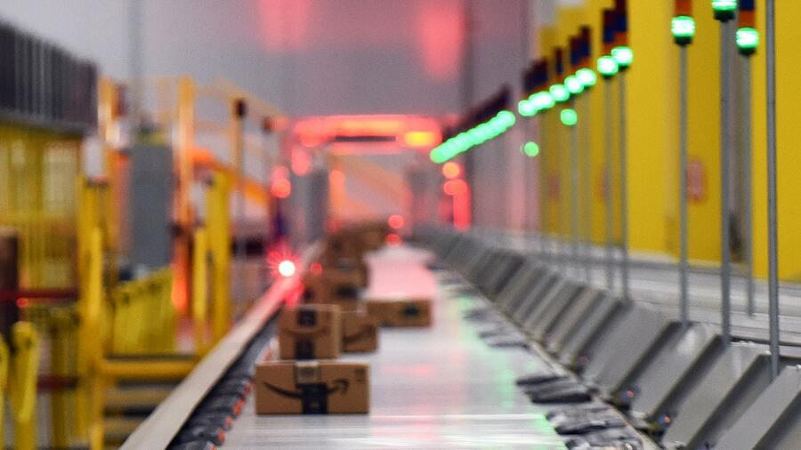 Warum Amazon trotz 100.000 Robotern nicht auf Handarbeit verzichten kann