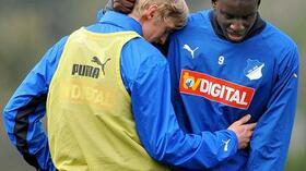 Andreas Beck (l.) und Demba Ba fallen am Samstag aus. Foto: Bongarts/Getty Images Quelle: SID
