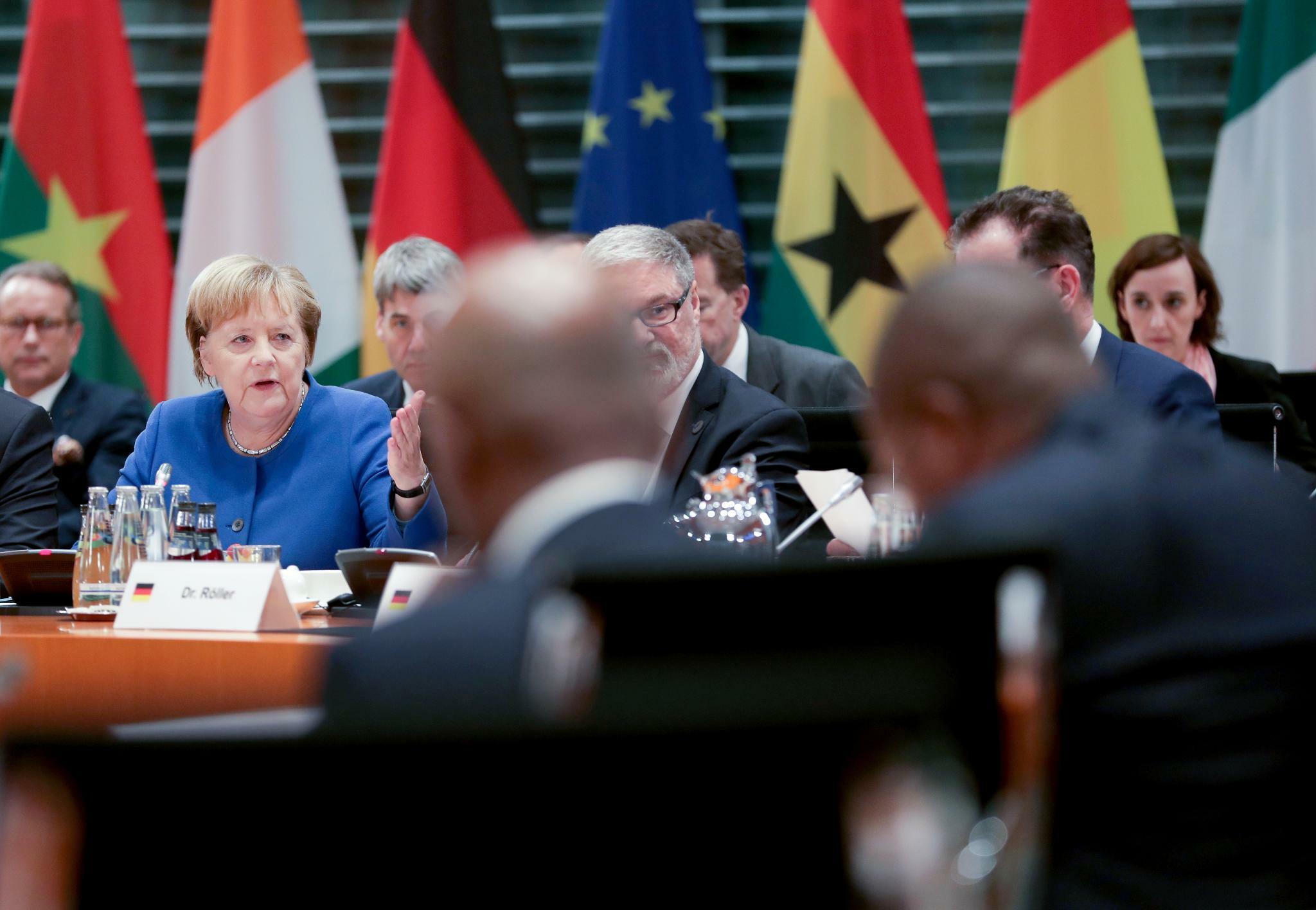 Merkel fordert mehr Transparenz von afrikanischen Staaten