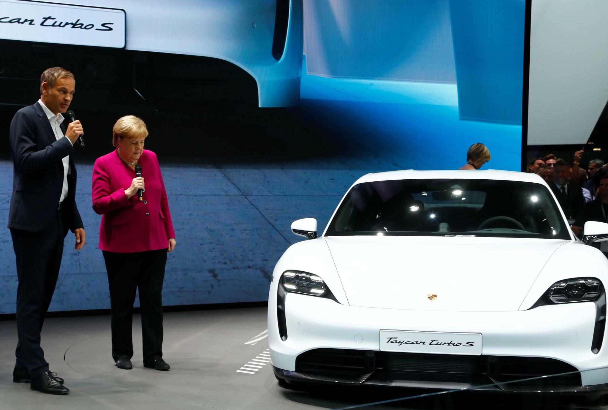 Bundesregierung will Ausbau der Elektromobilität voranbringen