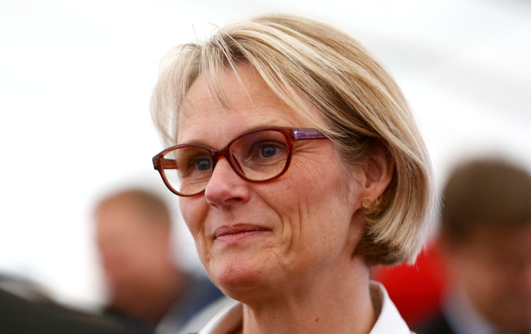 Die Opposition legt Anja Karliczek den Rücktritt nahe