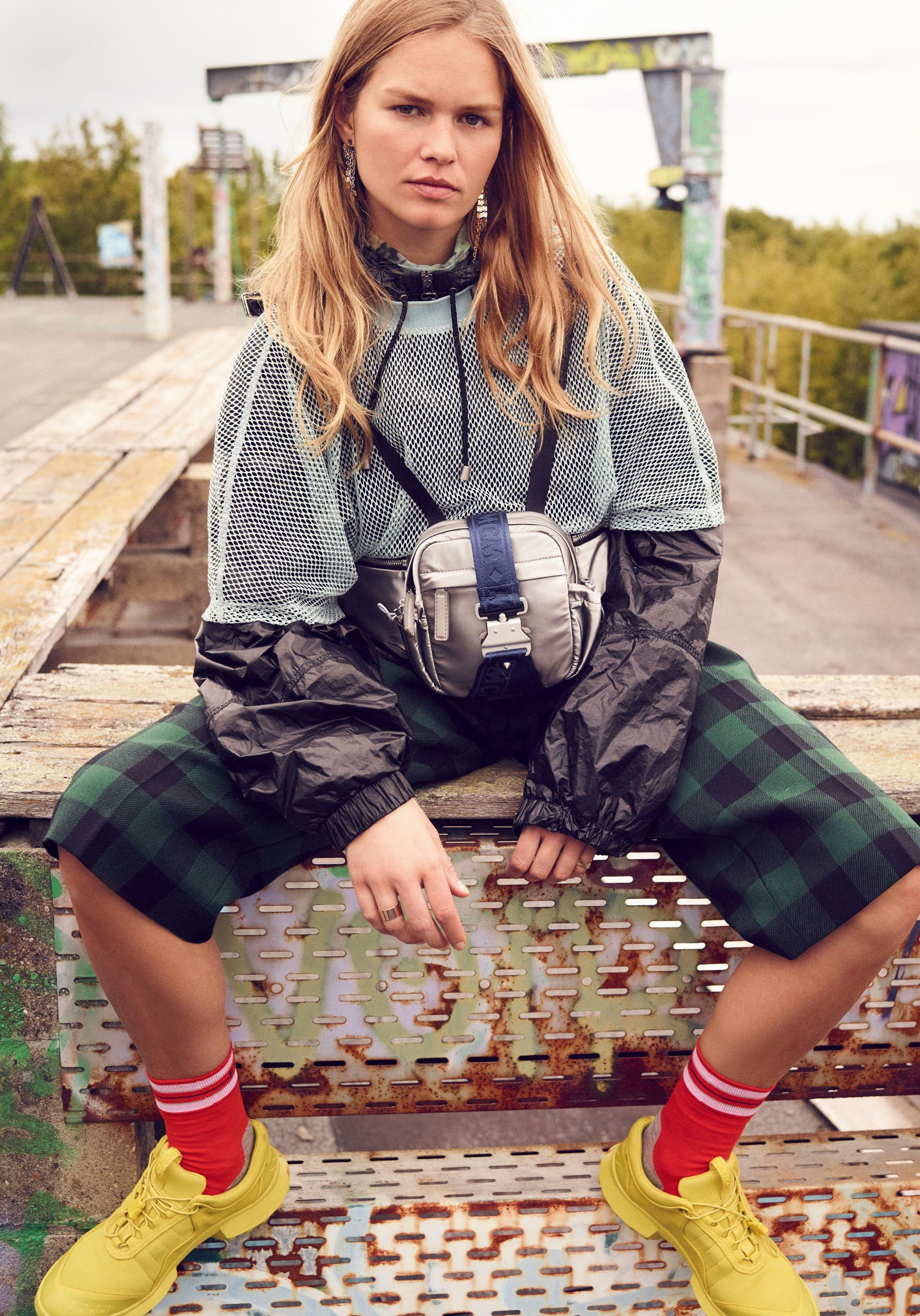 "Supermodel Anna Ewers: ""Als Model sollte man selektiv sein"""