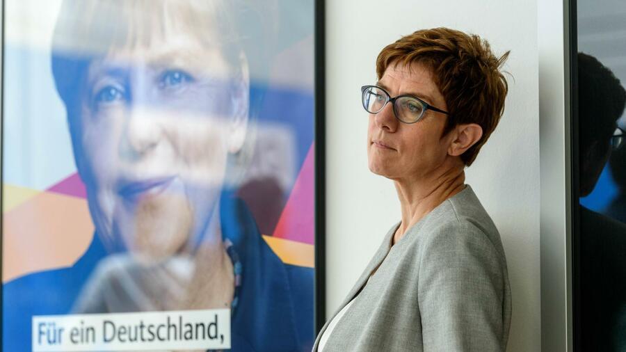 Das sind Kramp-Karrenbauers Pläne für die Machtübergabe von Merkel