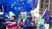 Zähe Verhandlungen: Britisches Unterhaus verabschiedet Brexit-Gesetz