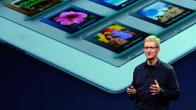 Perfekt vorbereitet: Apple-Chef Tim Cook. Quelle: AFP
