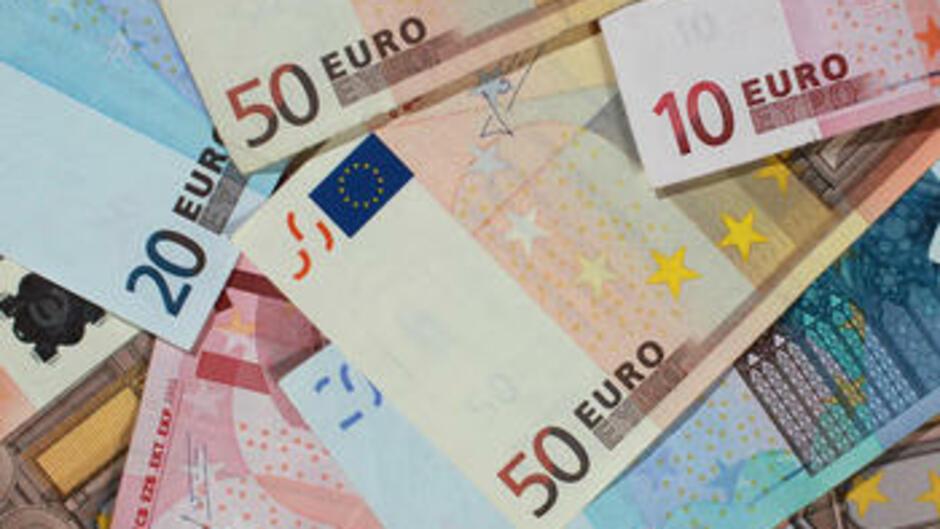 ökonomen Analysieren Warum Die Welt Ohne Bargeld Nicht Funktioniert