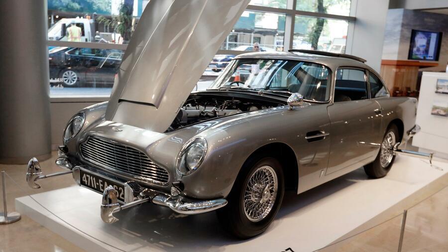 Bonds legendärer Aston Martin für rund 6,4 Millionen Dollar versteigert