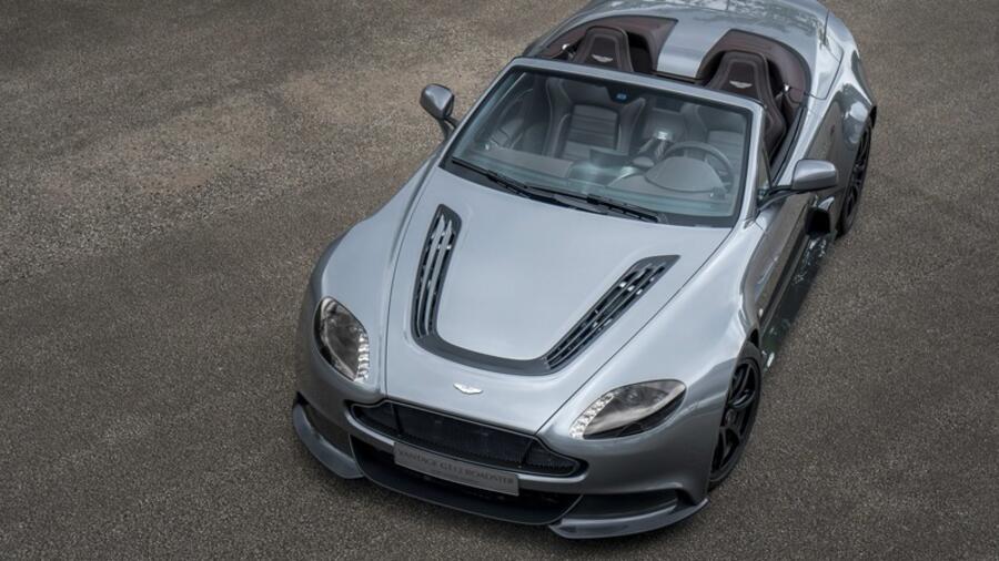 Aston Martin V12 Vantage Gt12 Roadster Britisches Solo