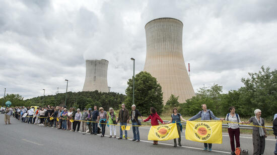 Atomkonzerne zahlen in Endlager-Fonds ein