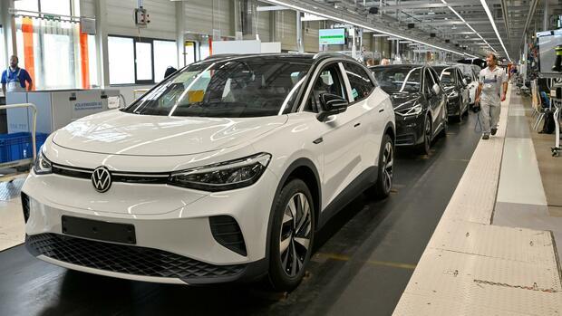 """Updates """"over the air"""": Volkswagen will mit Tesla gleichziehen: E-Auto-Software soll künftig per Funk erneuert werden"""