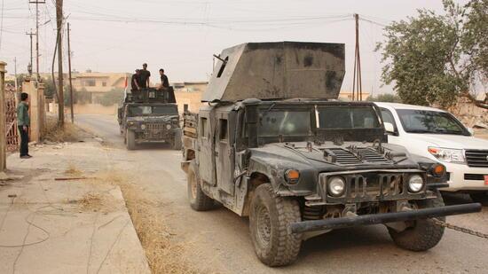 Nachdem die irakische Armee rund um die Millionenstadt Mossul bereits zahlreiche Regionen vom IS befreit hat, stehen die Soldaten unmittelbar vor den Toren der Stadt. Nun soll eines der beiden Tigris-Ufer erobert werden. Quelle: dpa