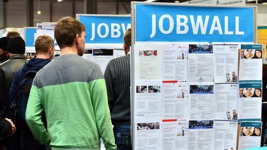 Mehr Bewerber auf weniger Ausbildungsstellen in Bremen