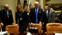 Mary Barra, Mark Fields, Sergio Marchionne: GM-Chefin und Autobosse bei Trump