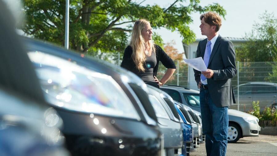 012d61ec57d65 Der Anteil des Privatkunden am deutschen Neuwagenmarkt sinkt. Ausdruck der  Marktsättigung sind auch permanente Rabattaktionen
