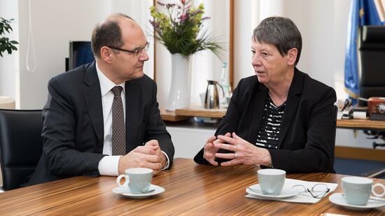 Bundestag debattiert über Herbizid-Einsatz