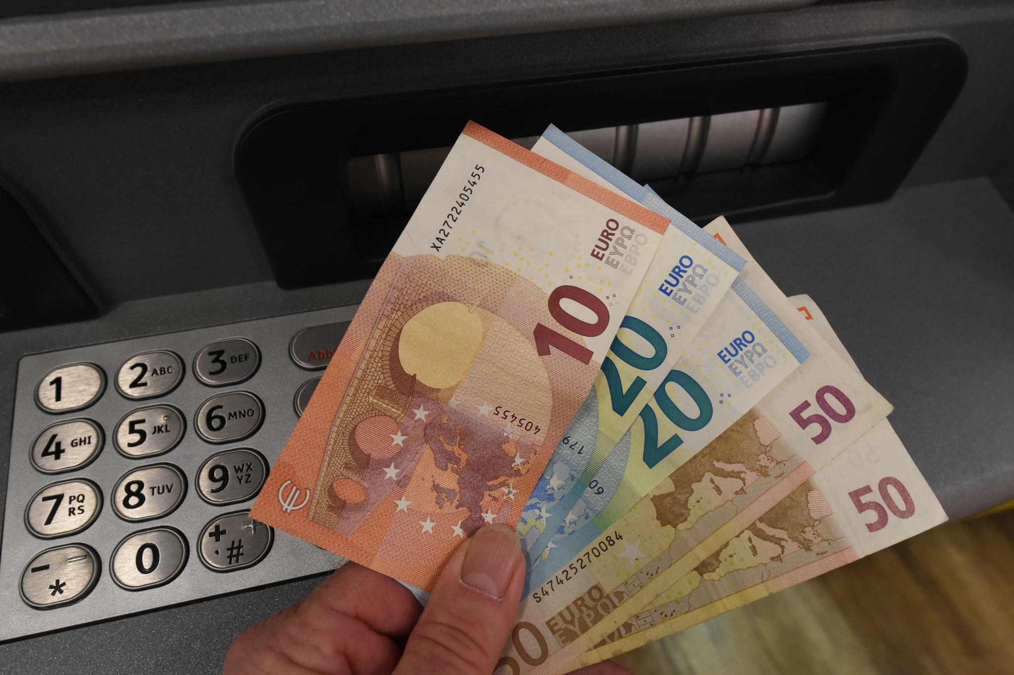 Die Europäische Zentralbank wechselt ins Lager der Bargeldfreunde