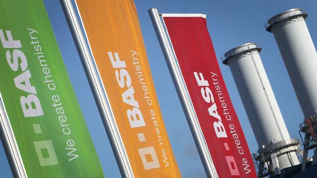 Chemiebranche: Basisgeschäft von BASF bricht ein
