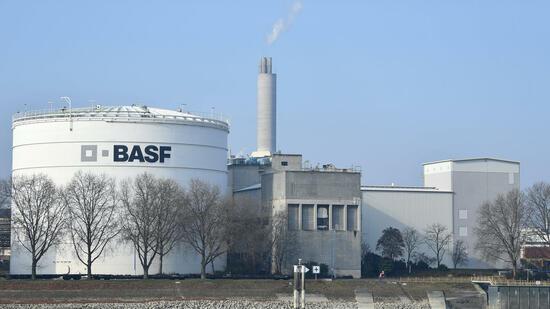 BASF steigert Gewinn dank höherer Öl- und Gaspreise