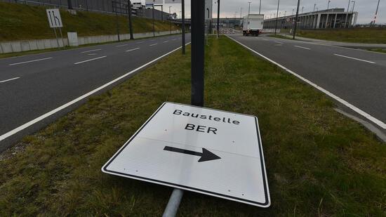 Medienberichte: Berliner Pannen-Flughafen BER hat Eröffnungstermin!