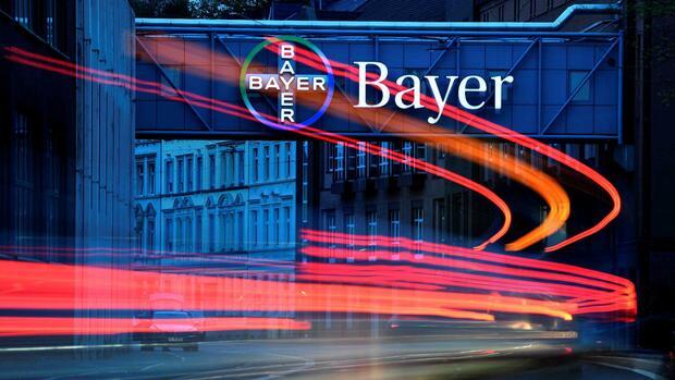 Bayer verspricht Gewinnzuwachs und lässt Sonderprüfung zu
