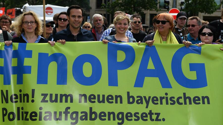 Trotz aller Proteste: Bayerischer Landtag beschließt umstrittenes Polizeigesetz
