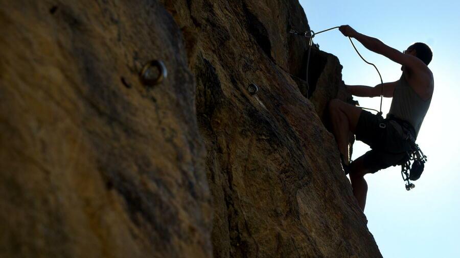 Klettersteigset Edelrid : Rückruf salewa mammut edelrid klettersteigsets mit seilbremsen
