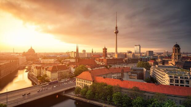 www.handelsblatt.com