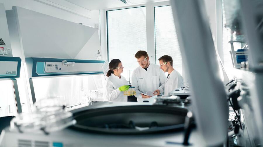 Biontech Winkt Beschleunigte Us Zulassung Von Corona Impfstoff