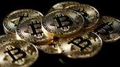 Kryptowährung: Bitcoin fällt auf neues einjähriges Tief