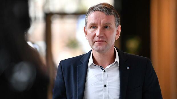 AfD-Politiker: Klingbeil: Hessen soll Björn Höcke den Beamtenstatus entziehen