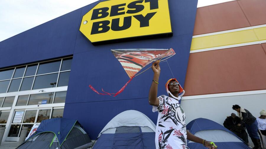 Black Friday Premiere Bei Walmart Belegschaft Streikt