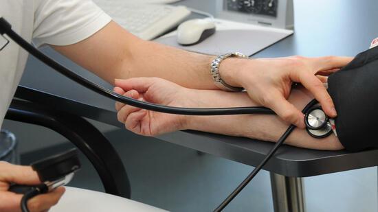 hypertonie welcher blutdruckwert ist gesund. Black Bedroom Furniture Sets. Home Design Ideas