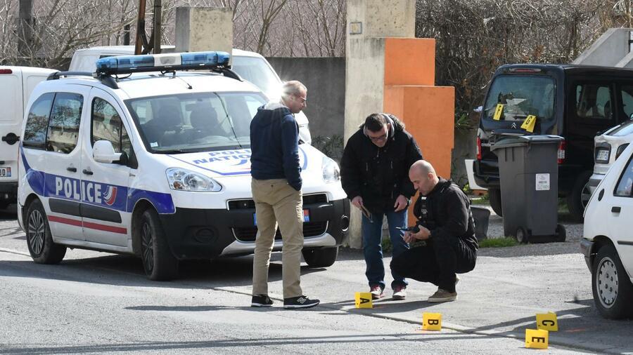 Französische Ermittler finden Hinweise auf IS